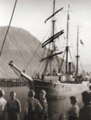 Pourquoi-Pas? in Ísafjörður, Iceland in 1936.