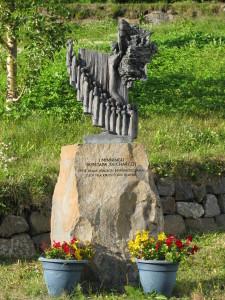 Eine Statue des großen isländischen Bildhauers Einar Jonsson zur Erinnerung an die Mannschaft der « Pourquoi-Pas? »
